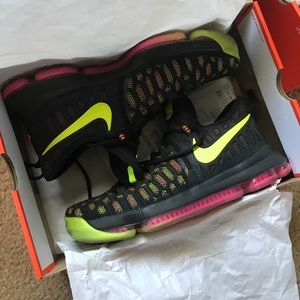 Nike Kevin Durant KD 9 size 9.5 mens shoe